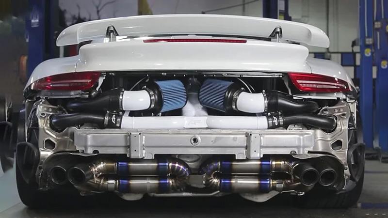 Động cơ tăng áp làm tăng sức mạnh của động cơ nhờ vào quá trình nén thêm không khí
